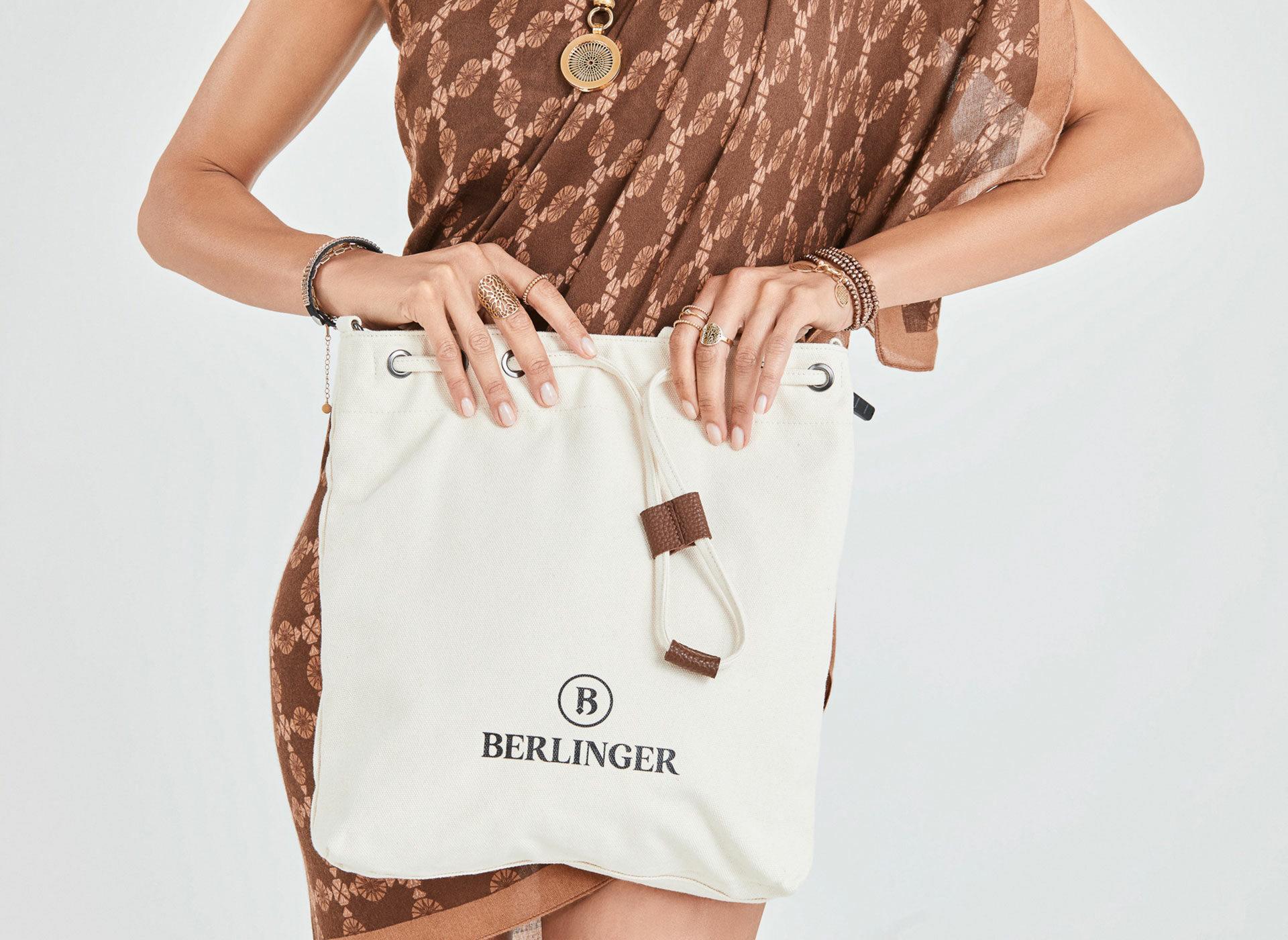 strandbeutel weiss 2 col card - Haus Berlinger